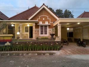 Tasya Family Guest House - Yogyakarta