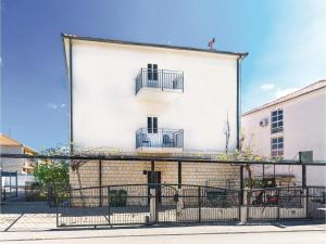 Apartment Trogir 08, Apartmanok  Trogir - big - 12