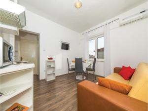 Apartment Trogir 08, Apartmanok  Trogir - big - 7
