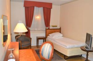 3811a56a7cf7 Hotel Mortensen  Sure Hotel Collection by Best Western
