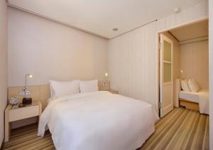 Yomi Hotel - ShuangLian, Hotels - Taipei