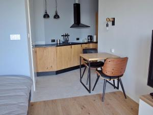 New comfortable high quality apartment, central, calm area f VAT