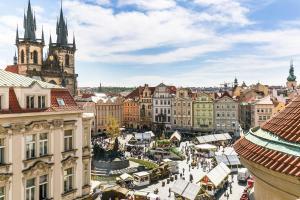 The Old Town Square & Parizska Apartments