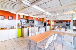 Fasthotel Macon Nord, Отели  Sennecé-lès-Mâcon - big - 21