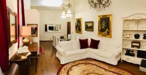 Colosseo Room - AbcRoma.com