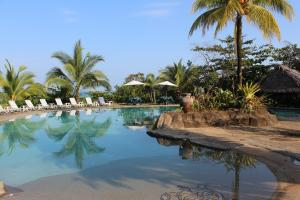 Popa Paradise Beach Resort