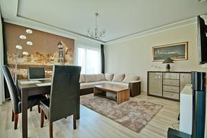 Luxury Apartment at the River - Old Town