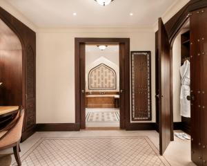 Shangri-La Hotel Qaryat Al Beri (17 of 51)