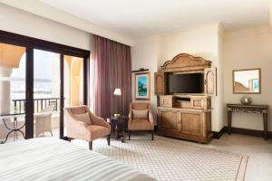 Shangri-La Hotel Qaryat Al Beri (16 of 51)