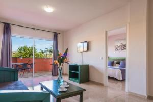 Oasis Village, Hotel  Corralejo - big - 3