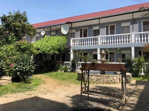 Отель Каво-де-Буксо, Гудаута