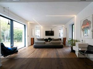 New & modern design suite with private garden city - AbcAlberghi.com
