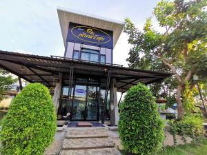 Ruenchansuk - Ban Khlong Takhian