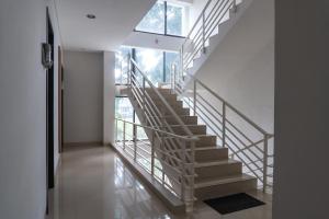 OYO 794 Ln 9 Bandung Residence, Szállodák  Bandung - big - 29