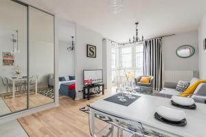 KLOBUCKA P&O Serviced Apartments - Zbarz