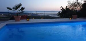Nilaria Sea View Apartment & Pool