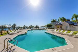 Banyan Harbor Resort #C33 - FREE PARKING - 2BR/1.5BA - Nawiliwili