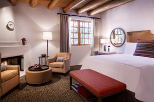 Rosewood Inn of the Anasazi (3 of 32)