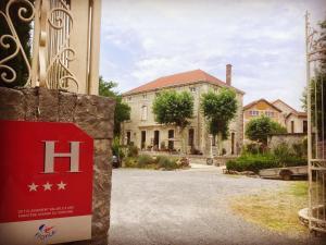 Location gîte, chambres d'hotes Hotel Savel dans le département Ardèche 7