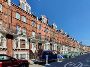 Stylish garden apartment Nr High Street Kensington, Ferienwohnungen  London - big - 27