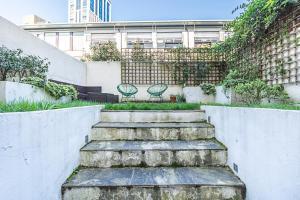 Stylish garden apartment Nr High Street Kensington, Ferienwohnungen  London - big - 19