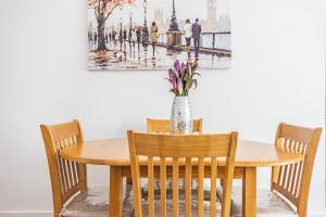 Stylish garden apartment Nr High Street Kensington, Ferienwohnungen  London - big - 21
