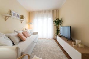 LovelyStay - Beloved 3B Central Apartment