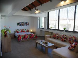 Spacious & Modern Studio Apartment Near the Airport