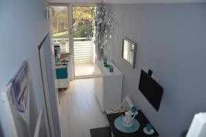 Mały przytulny apartament blisko plaży z widokiem na morze i las