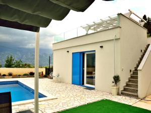 Villa Anna with pool, Zadar County