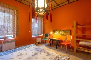 China Town Hostel & Tours