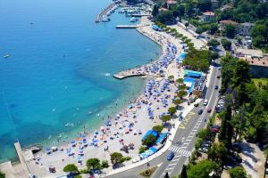 Apartments with a parking space Icici Opatija 7763