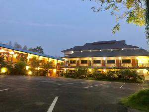 ฮักปัว โฮเทล (Hugpua Hotel) - Bōhlūang