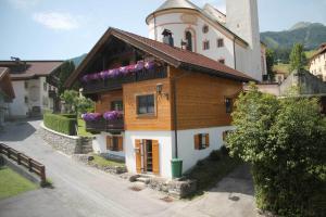 Ferienhaus Jägerhäusl - Hotel - Lermoos