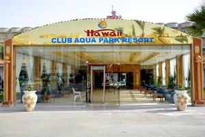 Hawaii Riviera Club Aqua Park - Families and Couples Only