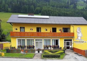 Apartments-Ferienwohnungen Berghof - Hohentauern