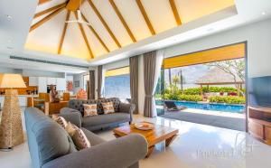 Anchan Lagoon 'Serenity' Luxury Villa - Ban Chin Tham Mai