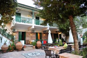 Hostales Baratos - Topakas House