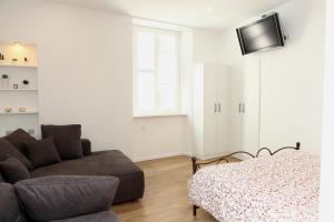Modern Tartini Plaza Apartment CR2