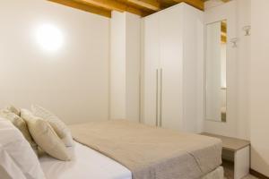 Giardino Giusti Apartment - AbcAlberghi.com