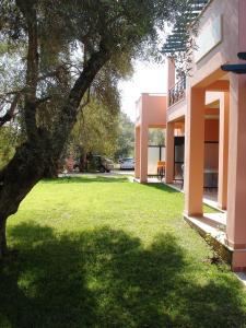 Ionian Breeze Studios, Apartments  Lefkada Town - big - 71