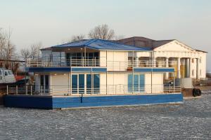 Апартаменты На воде