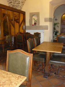Hôtel Le Prieuré, Hotely  Sainte-Croix-en-Jarez - big - 5