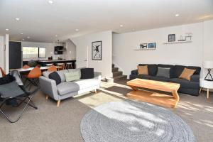 . Parlane Apartment 1 - Christchurch Holiday Homes