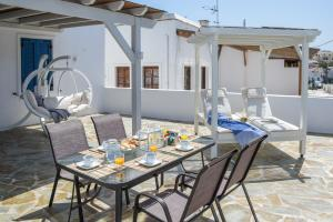 The Veranda of Gavrion-Exclusive, Centrally located with Seaview Andros Greece