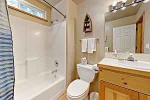 7311 7th Avenue Home Home - Hotel - Tahoma