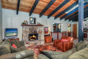 Cabin in the Pines - Hotel - Homewood