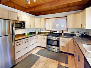 1262 Pine Valley Rd Home, Holiday homes  South Lake Tahoe - big - 4
