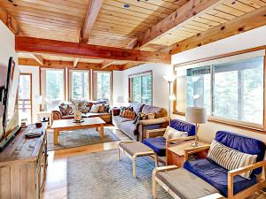 1262 Pine Valley Rd Home, Holiday homes - South Lake Tahoe