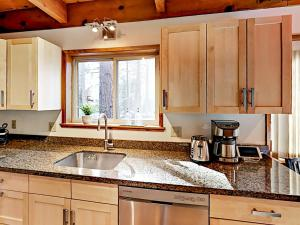 1262 Pine Valley Rd Home, Holiday homes  South Lake Tahoe - big - 25